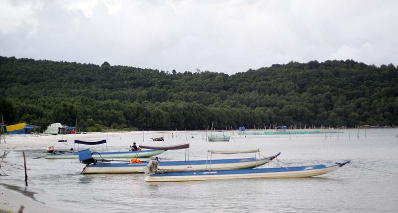 Chèo kayak ở Bãi Khem Phú Quốc