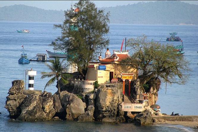 Dinh Cậu Phú Quốc - 👉Điểm thu hút khách du lịch
