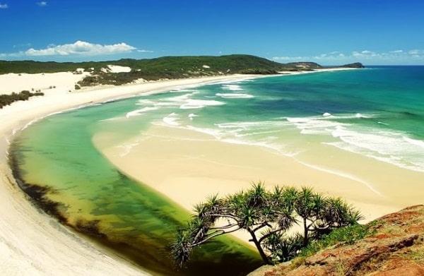 Bãi Dài là bãi biển được BBC bình chọn là 1 trong 10 bãi biển hoang sơ và đẹp nhất thế giới