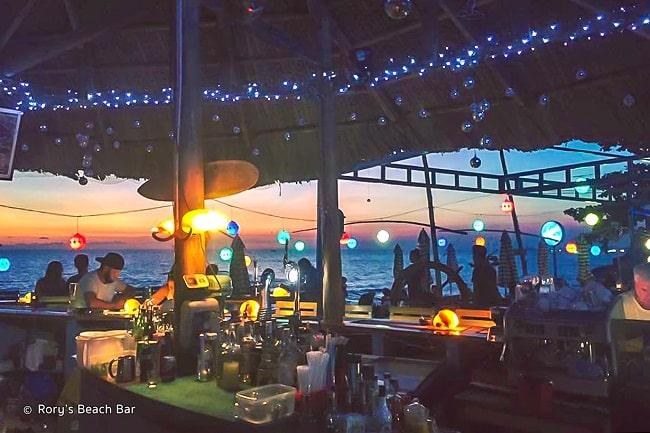 Rory's Beach Bar nổi tiếng bậc nhất ở Phú Quốc