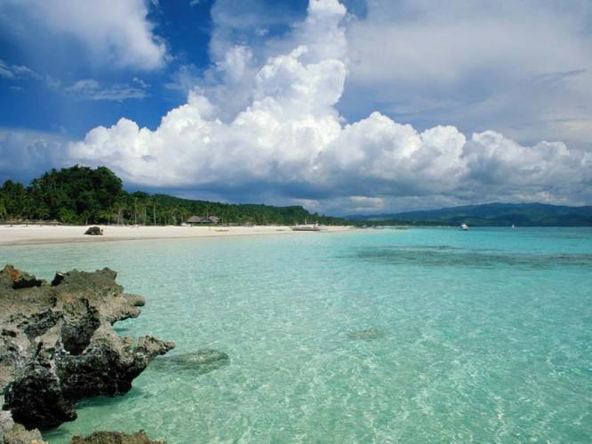 Bãi biển Minh Châu Quan Lạn