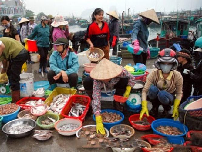 Chợ Cái Rồng Cô Tô
