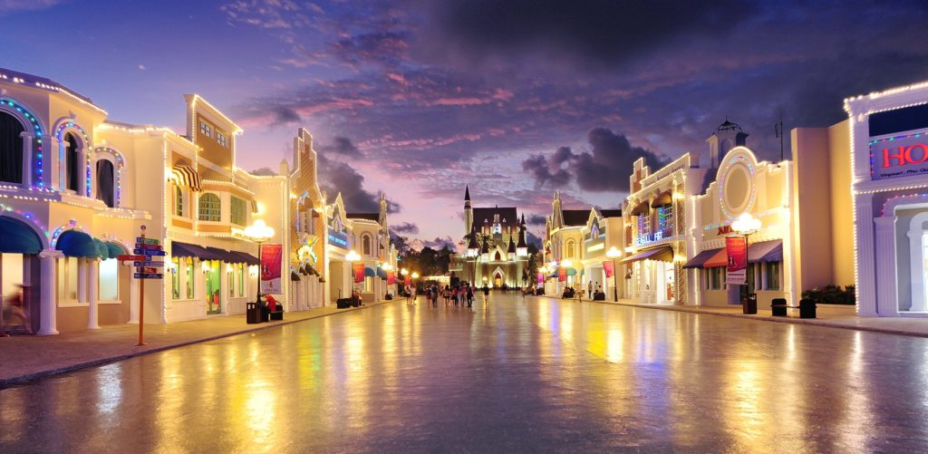 Phố mua sắm tại Vinpearl Phú Quốc