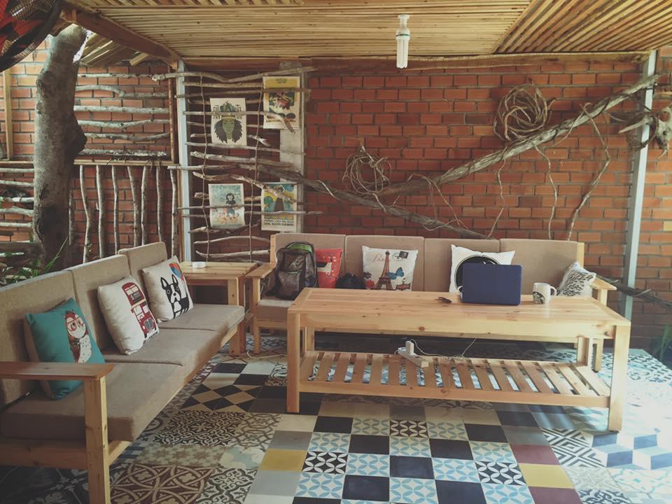 Phòng khách Peace House - nơi bạn có thể thư giãn với không gian yên tĩnh