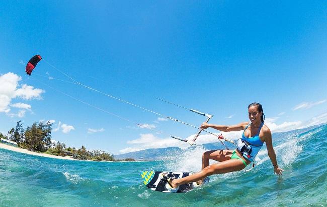 Tham gia các môn thể thao mạo hiểm dưới nước tại Hòn Thơm