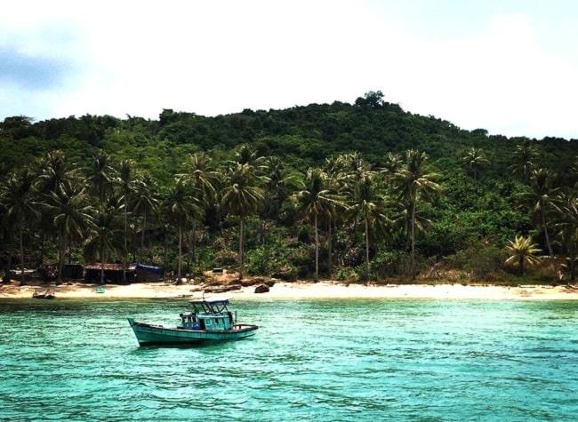 Hòn Thơm có nhiều hòn đảo đẹp để tắm