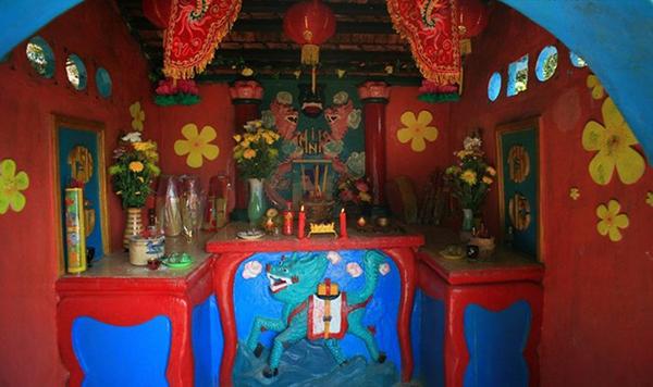 Đền thờ tự vua Gia Long được hương khói quanh năm